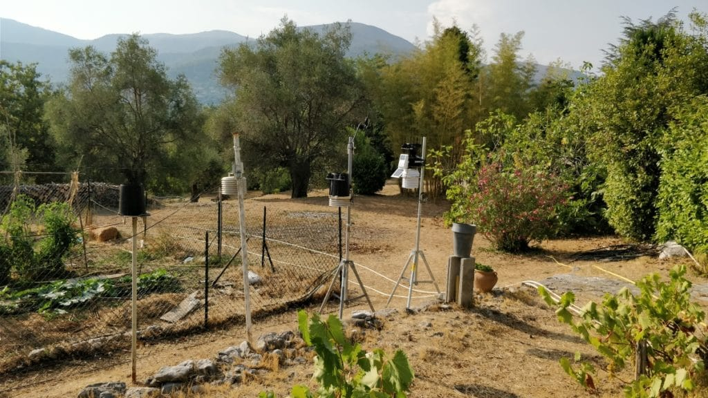 Station météo VP2 de Vence (celle de droite sur la photo)